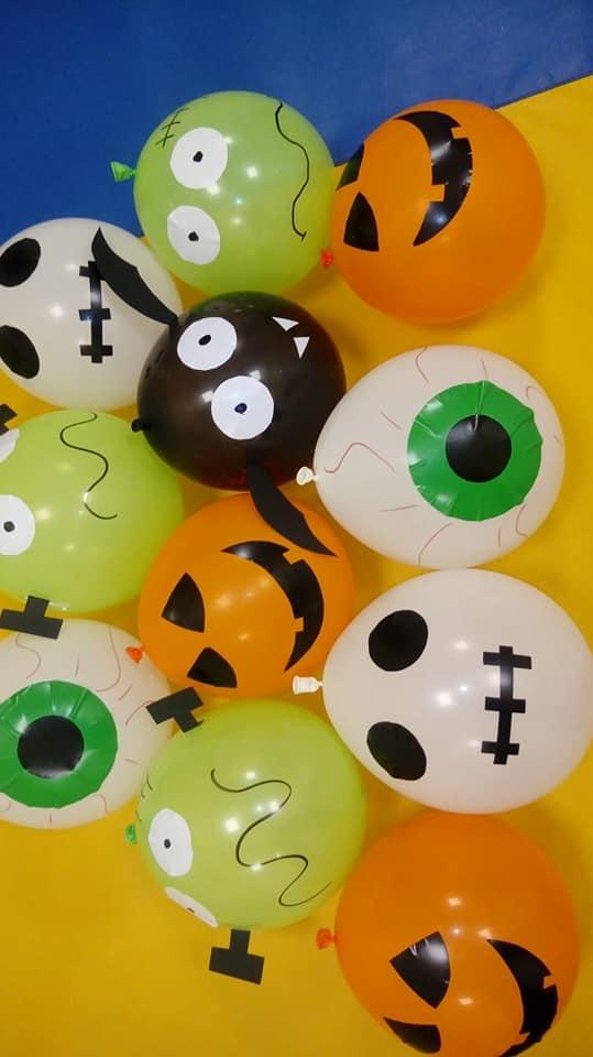 globos halloween escuela